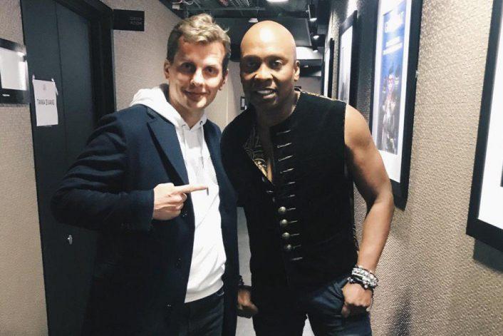 Haddaway перед выступлением на концерте в Глазгоу с букинг-агентом BnMusic