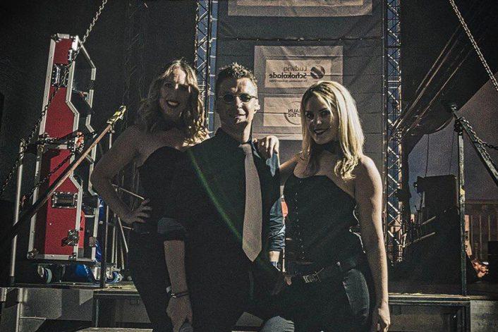 Заказать Robbie Williams Coverband на корпоратив, свадьбу, Новый год