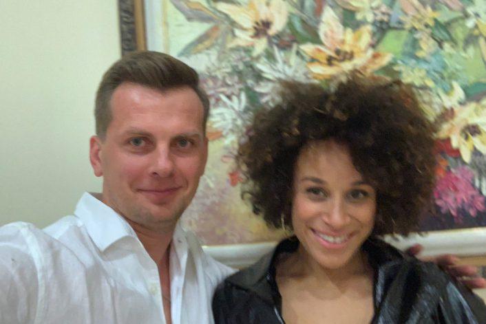 Oceana с букинг-агентом в Астане перед выступлением