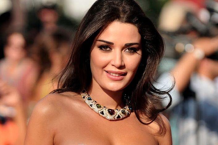 Cyrine Abdel Nour - офицальный сайт агента. Заказать выступление на праздник