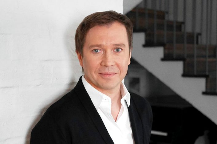 Евгений Миронов - пригласить на праздник в букинг-агентстве BnMusic