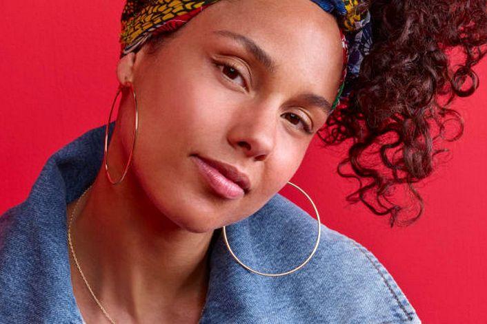 Alicia Keys - пригласить на праздник в букинг-агентстве BnMusic