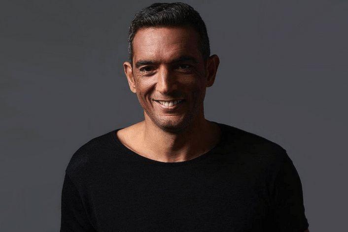 Antoine Clamaran - страница на официальном сайте агента